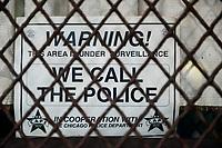 USA Chicago, south side of Chicago, Washington Park, afroamerican quarter with violence and criminal youth gangs, secured window / afroamerikanisches Problemviertel mit Jugendgangs und hoher Kriminalitaet, mit Gittern, Videokameras und Alamsystemen gesicherte Wohnobjekte