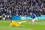 16.03.2019, VELTINS Arena, Gelsenkirchen, Deutschland, GER, 1. FBL, FC Schalke 04 vs. RB Leipzig<br /> <br /> DFL REGULATIONS PROHIBIT ANY USE OF PHOTOGRAPHS AS IMAGE SEQUENCES AND/OR QUASI-VIDEO.<br /> <br /> im Bild Torschuss Mark Uth (#7 Schalke) zum 1-0 Schalke / Abseits<br /> <br /> Foto © nordphoto / Kurth