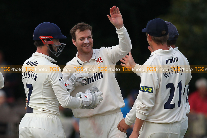 Tim Phillips (C) of Essex is congratulated on the wicket of Alex Hughes - Derbyshire CCC vs Essex CCC - LV County Championship Division Two Cricket at Queen's Park, Chesterfield - 09/07/14 - MANDATORY CREDIT: Gavin Ellis/TGSPHOTO - Self billing applies where appropriate - 0845 094 6026 - contact@tgsphoto.co.uk - NO UNPAID USE