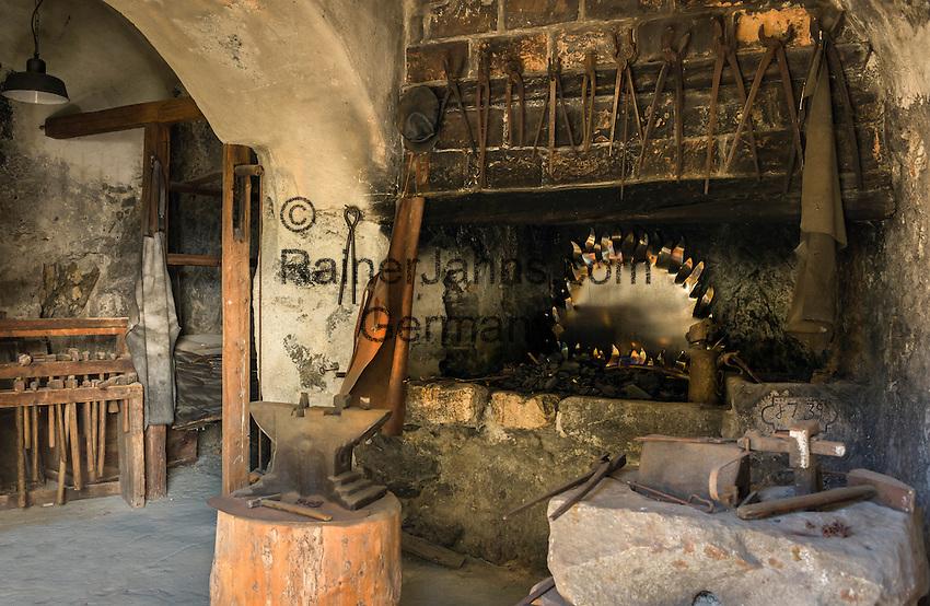 Austria, Tyrol, Rattenberg: historic nailer at old town | Oesterreich, Tirol, Rattenberg: historische Nagelschmiede im Zentrum der Altstadt