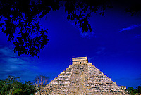 El Castillo (The Castle, a.k.a. Pyramid of Kululcan), Chichen Itza archaeological site, Yucatan, Mexico
