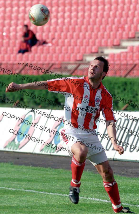 crvena zvezda - vojvodina, fudbal, milivoje vitakic&amp;#xA;bgd; 26.04.2003&amp;#xA;foto: djordje popovic<br />