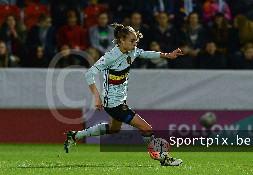 20160408 - ROTHERHAM , ENGLAND : Belgian Tessa Wullaert pictured during the female soccer game between England and The Belgian Red Flames - Belgium , the fourth game in the qualification for the European Championship in The Netherlands 2017  , Friday 8 th April 2016 at AESSEAL New York Stadium in Rotherham , England . PHOTO DAVID CATRY
