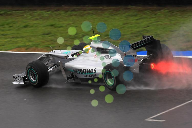 F1 Tests, Jerez Spain  10. - 14. February 2010.Nico Rosberg (GER), Mercedes GP ..Hasan Bratic;Koblenzerstr.3;56412 Nentershausen;Tel.:0172-2733357;.hb-press-agency@t-online.de;http://www.uptodate-bildagentur.de;.Veroeffentlichung gem. AGB - Stand 09.2006; Foto ist Honorarpflichtig zzgl. 7% Ust.;Hasan Bratic,Koblenzerstr.3,Postfach 1117,56412 Nentershausen; Steuer-Nr.: 30 807 6032 6;Finanzamt Montabaur;  Nassauische Sparkasse Nentershausen; Konto 828017896, BLZ 510 500 15;SWIFT-BIC: NASS DE 55;IBAN: DE69 5105 0015 0828 0178 96; Belegexemplar erforderlich!..