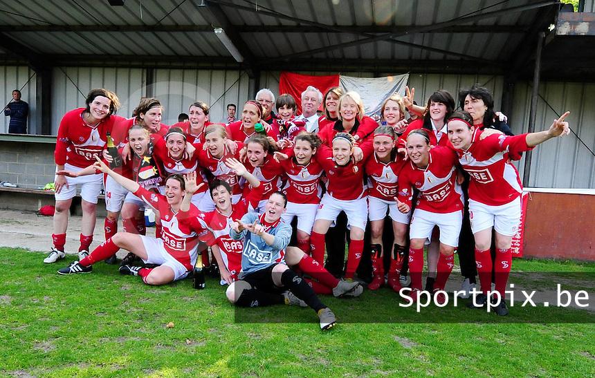 RSC Anderlecht Dames - Standard Femina : Standard kampioen 2010 - 2011 : ploegfoto Standard Kampioen.foto DAVID CATRY / Vrouwenteam / Loft6