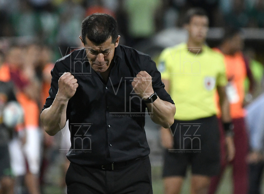 MEDELLÍN -COLOMBIA - 09-06-2018: Jorge Almiron técnico de Atlético Nacional gesticula durante partido de vuelta con Deportes Tolima por la final de la Liga Águila I 2018 jugado en el estadio Atanasio Girardot de la ciudad de Medellín. / Jorge Almiron coach of Atletico Nacional gestures during second leg match against Deportes Tolima for the final of the Aguila League I 2018 at Atanasio Girardot stadium in Medellin city. Photo: VizzorImage / Gabriel Aponte / Staff