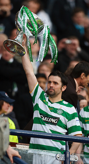 Paul Hartley lifts the Co-Operative insurance cup
