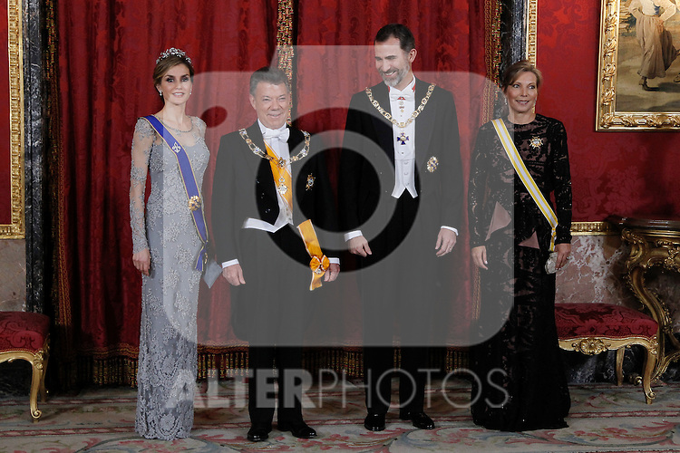 Spanish Royals host a dinner for the Colombian President Juan Manuel Santos and his wife Maria Clemencia Rodriguez in Madrid, Spain. In the pic: Queen Letizia of Spain, Juan Manuel Santos, King Felipe of Spain and Maria Clemencia Rodriguez. March 02, 2015. (Jose Luis Cuesta/POOL/ALTERPHOTOS)