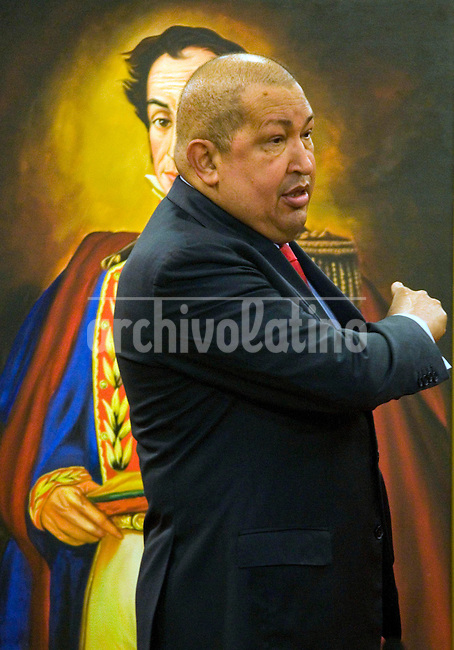 Venezuela: Caracas,06/12/11 .Venezuelan president Hugo Chavez speaks to reporters during a press conference at Miraflores Presidential Palace to explain the scope of the creation of CELAC.Carlos Hernandez/Archivolatino