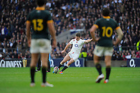 Owen Farrell of England takes a penalty kick during the QBE International match between England and South Africa at Twickenham Stadium on Saturday 15th November 2014 (Photo by Rob Munro)