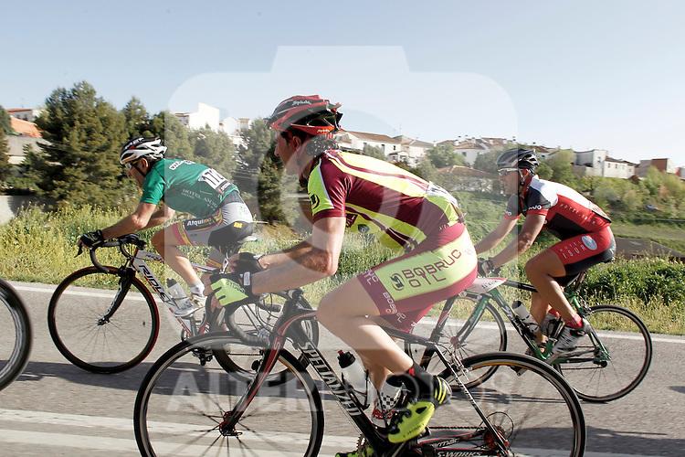 Etapa en linea ruta vuelta a Madrid 2011 32 Jose Vicioso Bobruc Oil, 172  Miguel Gavilan Ciclos Corredor, 309 Juan Sanchez ADC Francisco Pizarro. (ALTERPHOTOS/Alvaro Hernandez)