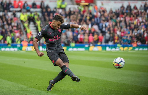 19th August 2017, bet365 Stadium, Stoke-on-Trent, England; EPL Premier League football, Stoke City versus Arsenal; Alex Oxlade-Chamberlain of Arsenal gets a shot in on goal