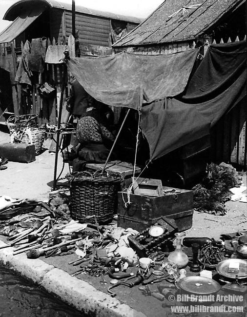 Paris flea market 1930s