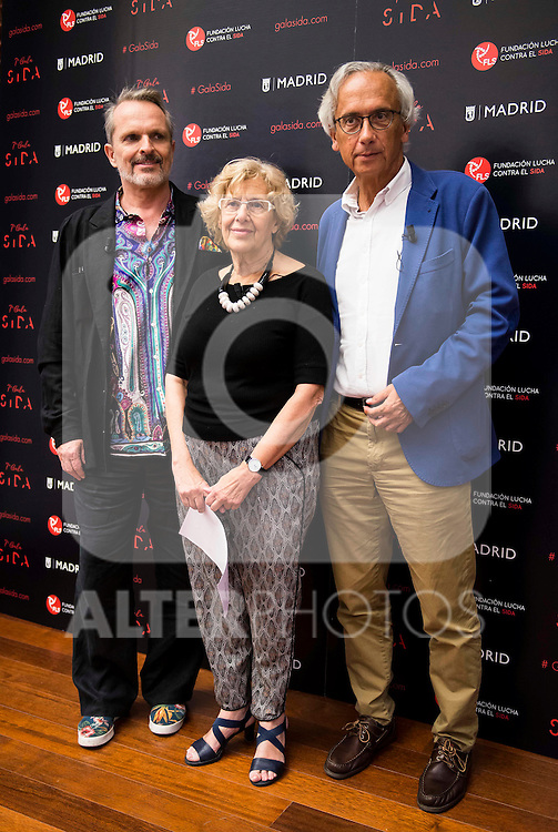 Singer Miguel Bose, Madrid Mayor Manuela Carmena and Doctor Bonaventura Clotet during the presentation of the 7th edition of Gala Sida for his first time in Madrid. June 21, 2016. (ALTERPHOTOS/BorjaB.Hojas)