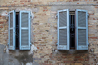 Series of pictures of windows and shutters in Italy.<br />