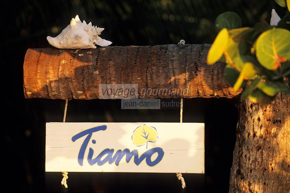 Iles Bahamas /Ile d'Andros/South Andros: Eco-Lodge-Tiamo Resort l'enseigne écolo avec un coquille de Conch ou Lambi