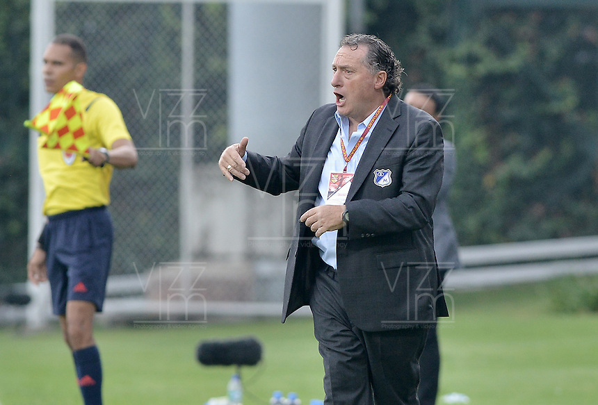 BOGOTA - COLOMBIA -06 -03-2016: Ruben Israel técnico de Millonarios gesticula durante partido contra Fortaleza FC por la fecha 8 de Liga Águila I 2016 jugado en el estadio Metropolitano de Techo en Bogotá./ Ruben Israel coach of Millonarios gestures during the match against Fortaleza FC for the date 8 of the Aguila League I 2016 played at Metropolitano de Techo stadium in Bogota. Photo: VizzorImage / Gabriel Aponte / Staff.