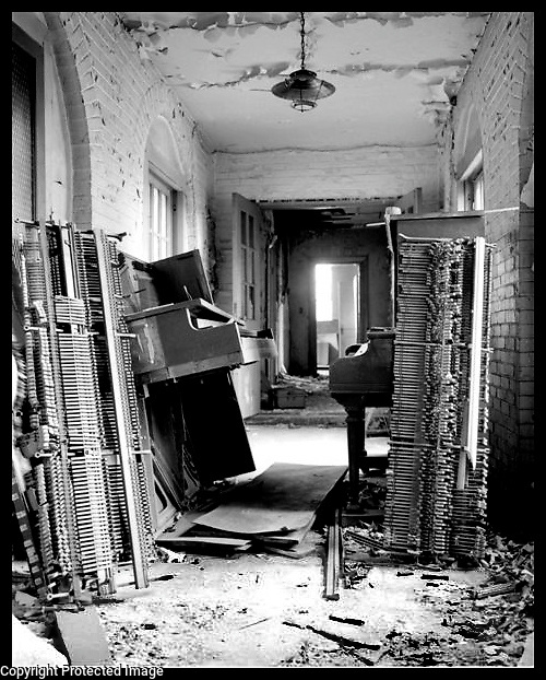 Pianos in Knoxville,Tennessee 2000.