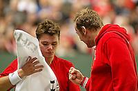 06-03-2006,Swiss,Freibourgh, Davis Cup , Swiss-Netherlands, A peptalk from coach Rosset for Stanislas Wawrinka