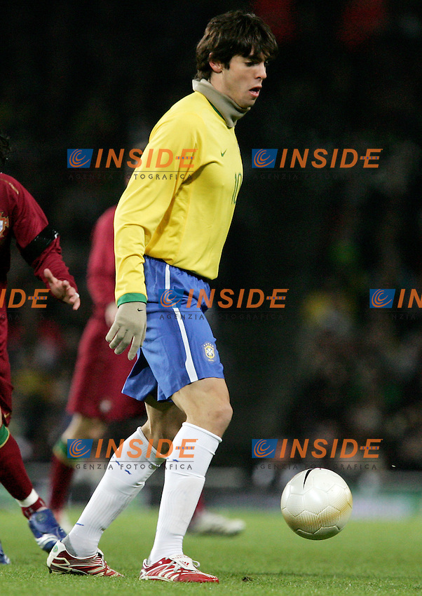 Brazil's Kaka against Portugal's Tiago during a friendly match at Emirates Stadium in London, Tuesday February 06, 2007. (INSIDE/ALTERPHOTOS/Alvaro Hernandez).