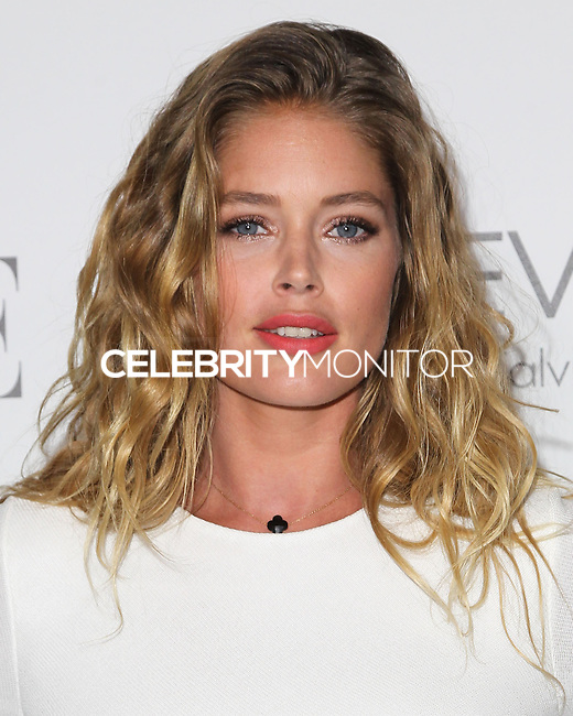 BEVERLY HILLS, CA, USA - OCTOBER 20: Doutzen Kroes arrives at ELLE's 21st Annual Women In Hollywood held at the Four Seasons Hotel on October 20, 2014 in Beverly Hills, California, United States. (Photo by Celebrity Monitor)