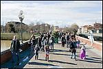 SAN MAURO - Ponte Vittorio Emanuele. Domenica di Carnevale.