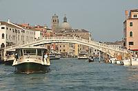 Fondamenta di Canareggio. (Venise, Octobre 2006)
