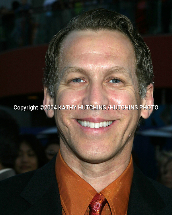 """©2004 KATHY HUTCHINS /HUTCHINS PHOTO.WORLD PREMIERE OF """"CONNIE AND CARLA"""".Universal City Walk.LOS ANGELES, CA.APRIL 14, 2004..STEPHEN SPINELLA"""