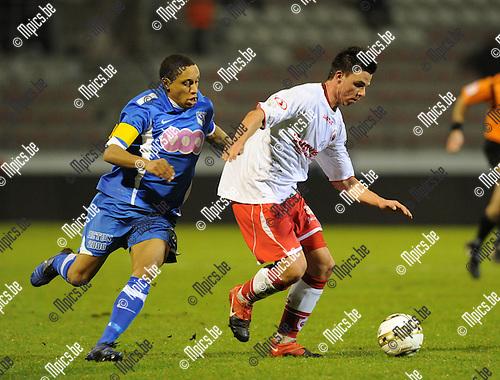 2011-01-19 / voetbal / seizoen 2010-2011 / R. Antwerp FC - Visé / Niels Martin (r, Antwerp) met Vervalle..Foto: mpics