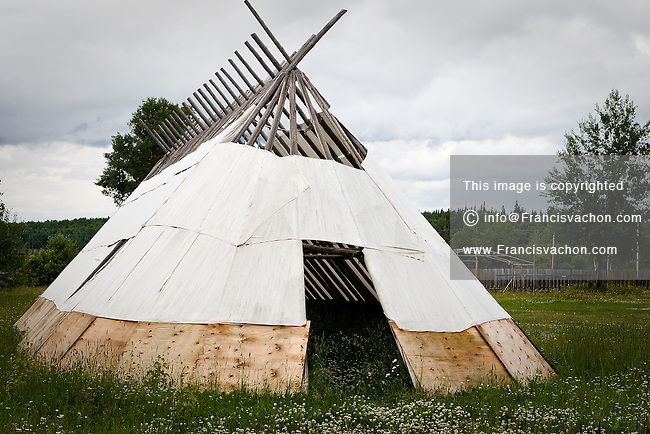 A saptuaan longhouse is pictured in the Waswanipi Cree reserve in the province of Quebec, Canada, July 17, 2009. Waswanipi is a Cree / Lynu / Innu reserve located provincial road 113 and has a population of 1,473 people.
