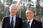 SOESTDUINEN - Willem Zelsmann wordt de nieuwe voorzitter van de NGF en volgt Ronald Pfeiffer (l) op.  . Algemene Ledenvergadering van de NGF (Nederlandse Golf Federatie) met bestuurswisseling. COPYRIGHT KOEN SUYK