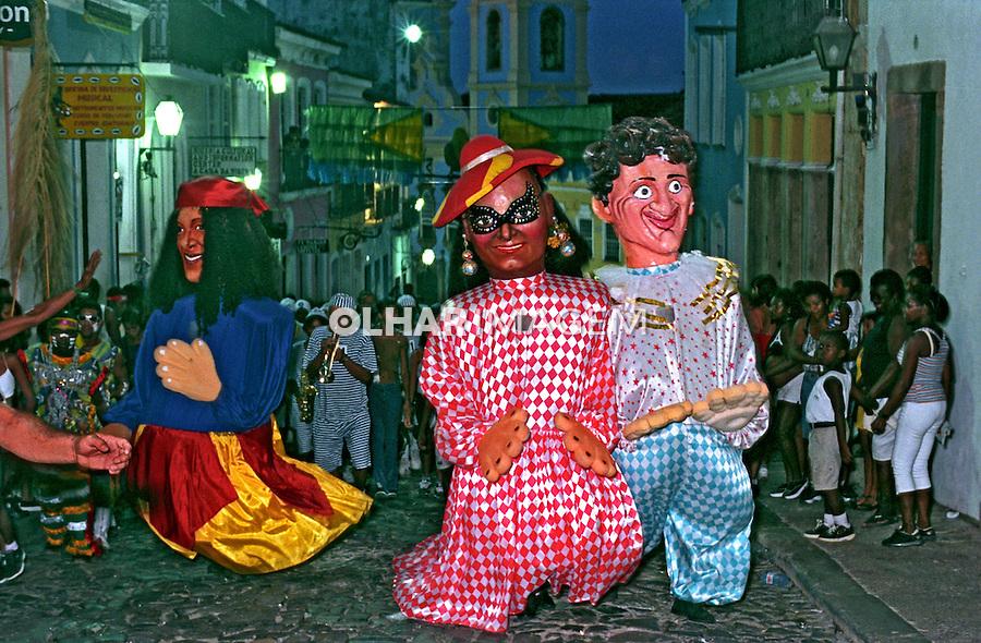 Bonecos gigantes no Pelourinho, carnaval de Salvador. Bahia. 2000. Foto de Catherine Krulik.