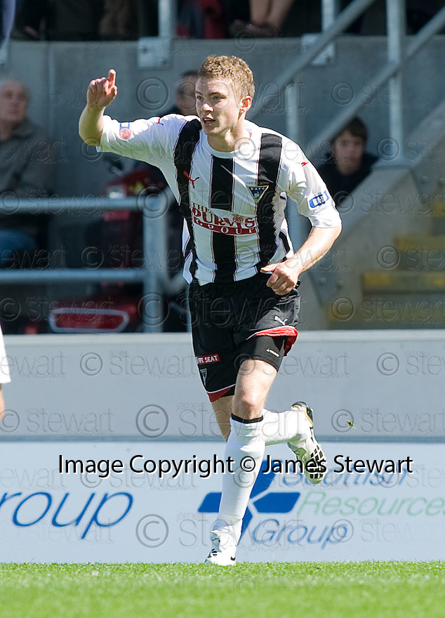 07/08/2010   Copyright  Pic : James Stewart.sct_jsp003_falkirk_v_dunfermline  .::  PAT CLARKE CELEBRATES AFTER HE HEADS HOME THE FIRST FOR DUNFERMLINE ::  .James Stewart Photography 19 Carronlea Drive, Falkirk. FK2 8DN      Vat Reg No. 607 6932 25.Telephone      : +44 (0)1324 570291 .Mobile              : +44 (0)7721 416997.E-mail  :  jim@jspa.co.uk.If you require further information then contact Jim Stewart on any of the numbers above.........
