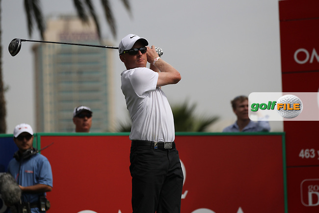Simon Dyson (ENG) tees off on the 9th tee during Thursday's Round 1 of the 2012 Omega Dubai Desert Classic at Emirates Golf Club Majlis Course, Dubai, United Arab Emirates, 9th February 2012(Photo Eoin Clarke/www.golffile.ie)
