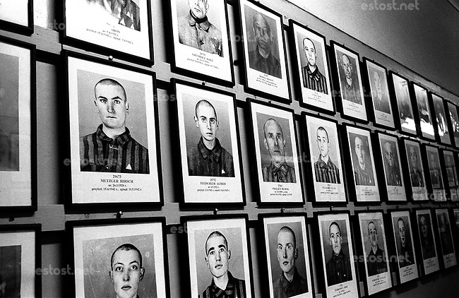 POLAND, Auschwitz-Birkenau,  2002..Museum of Auschwitz-Birkenau. 900,000 Jews lived in Romania before the war. They are now less than 12,000 in  Romania and 6000 in Bucharest. 70% of 151,000 Jews from Transylvania died in deportation to Auschwitz..POLOGNE, Auschwitz-Birkenau, 2002..Musée de Auschwitz-Birkenau. 900000 Juifs vivaient en Roumanie avant la guerre. Ils sont aujourd'hui moins de 12000 en Roumanie dont 6000 à Bucarest. 70% des 151000 Juifs de Transylvanie sont morts en déportation à Auschwitz..© Bruno Cogez