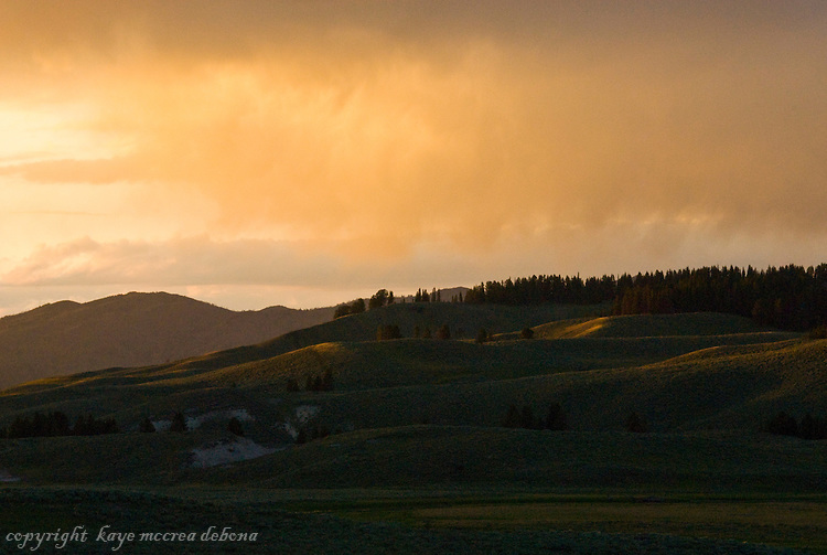 Sunsets in Hayden Valley - Yellowstone National Park