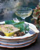 """Europe/France/Normandie/Basse-Normandie/61/Orne/La Perrière : Foie gras aux morilles - Recette du restaurant-brocante """"La Maison d'Horbé"""""""