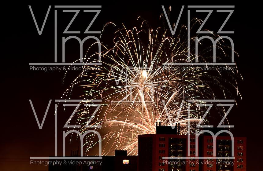 BOGOTÁ-COLOMBIA-01-01-2013. Fuegos pirotécnicos para celebrar la llegada del nuevo año desde el Parque Simón Bolívar. Fireworks to celebrate the arrival of the new year from Simón Bolívar Park.  Photo: VizzorImage