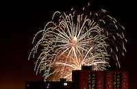 BOGOTÁ-COLOMBIA-01-01-2013. Fuegos pirotécnicos para celebrar la llegada del nuevo año desde el Parque Simón Bolívar. Fireworks to celebrate the arrival of the new year from Simón Bolívar Park.  Photo: VizzorImage