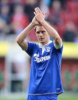 FUSSBALL   1. BUNDESLIGA  SAISON 2011/2012   32. Spieltag FC Augsburg - FC Schalke 04         22.04.2012 Benedikt Hoewedes (FC Schalke 04)