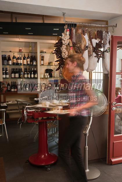Europe/France/Provence-Alpes-Côte d'Azur/13/Bouches-du-Rhône/Arles: Restaurant: A Côté - Le Bistrot de Jean-Luc Rabanel