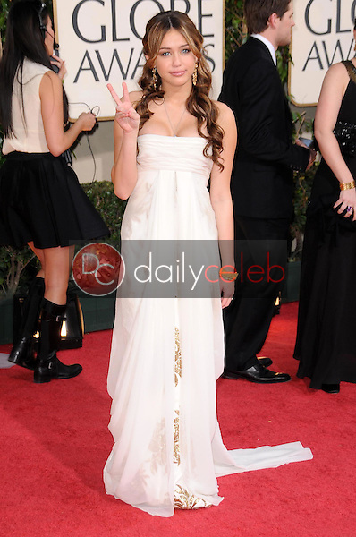 Miley Cyrus<br />at the 66th Annual Golden Globe Awards. Beverly Hilton Hotel, Beverly Hills, CA. 01-11-09<br />Dave Edwards/DailyCeleb.com 818-249-4998