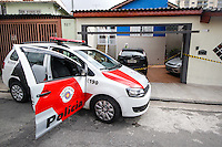 SÃO PAULO,SP,24.11.2014 - TENTATIVA ASSALTO MORTE - Uma mulher foi morta na manhã de hoje (24) depois de uma tentativa de assalto na rua Jacaraipe na Vila Prudente.o Caso esta sendo registrado no 56º DP da Vila Alpina(Foto:Ale Vianna/Brazil Photo Press).