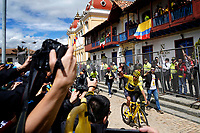 ZIPAQUIRA - COLOMBIA, 07-08-2019: Egan Bernal, ciclista colombiano, arriba al homenaje en su ciudad Zipaquirá por el triunfo en el Tour de Francia 2019. / Egan Bernal, Colombian cyclist, arrives on his bike to participate in the tribute in his town Zipaquira for his victory in the Tour de France 2019. Photo: VizzorImage / Diego Cuevas / Cont