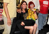 SAO PAULO, SP, 18 DE FEVEREIRO 2012 - CAMAROTE BAR BRAHMA -  As cantoras Roberta Miranda e Rita Lee sao vistas no Camarote Bar Brahma, no primeiro dia de desfiles do Grupo Especial do Carnaval de Sao Paulo, na noite deste sabado 18, no Sambodromo do Anhembi regiao norte da capital paulista. (FOTO: MILENE CARDOSO - BRAZIL PHOTO PRESS).