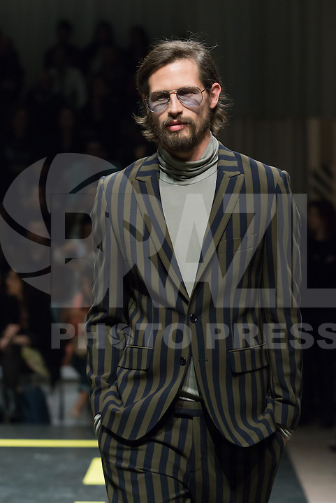 LISBOA, PORTUGAL, 09.03.2014 - LISBOA FASHION WEEK - FILIPE FAISCA - Modelo durante desfile da grife FILIPE FAISCA no Lisboa Fashion Week no Pátio da Galé em Lisboa capital de Portugal, nesse domingo, 09. (Foto: Bruno Pereira / Brazil Photo Press).