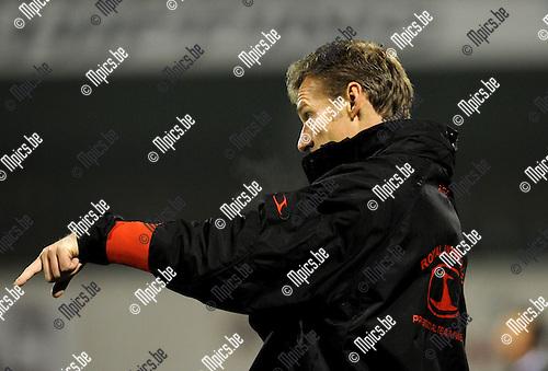 2010-11-27 / Voetbal / seizoen 2010-2011 / Antwerp FC - KV Oostende / Bart de Roover..Foto: Mpics