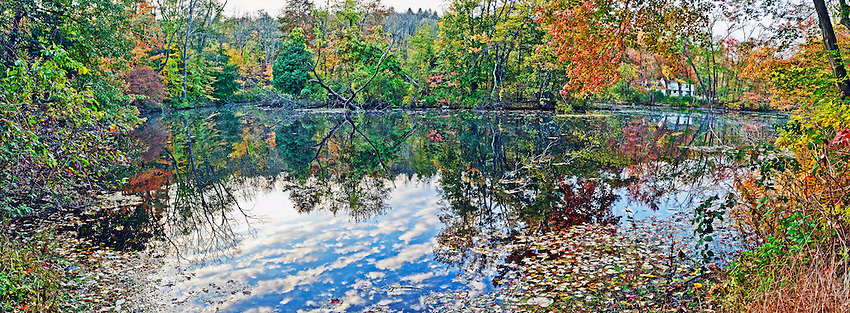 Panoramic view of a pond in Chappaqua, NY, on an autumn morning