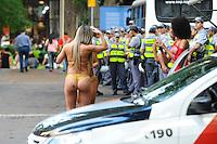 SAO PAULO, SP, 18.10.2013 -MISS BUMBUM. Candidatas a miss bumbum realizaram um protesto contra o preconceito na Av Paulista : Adriano Lima / Brazil Photo Press)