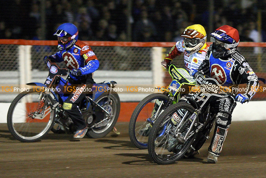 Heat 7: Ricky Kling (blue), Troy Batchelor (yellow) and Edward Kennett (red) - Lakeside Hammers vs Swindon Robins - Sky Sports Elite League Play-Off Semi-Final at Arena Essex, Purfleet - 29/09/08 - MANDATORY CREDIT: Gavin Ellis/TGSPHOTO - Self billing applies where appropriate - 0845 094 6026 - contact@tgsphoto.co.uk - NO UNPAID USE.